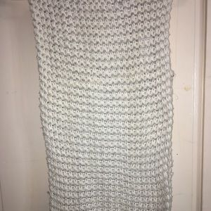 White knitted infinity scarf
